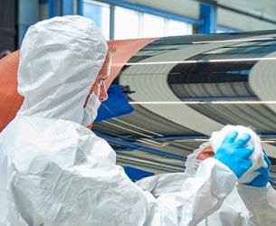 Kundenrefrenz Berndorf Band: Ausschnitt Polierung Stahlband
